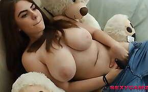 sexy girl masturbates live on webcam