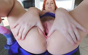 Amazing redhead chick with big naturals jerks in a catch kitchen
