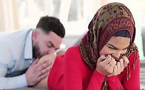 My Virgin Sister In Hijab Fucked- Maya Farrell