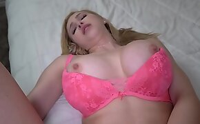 Giving transmitted to attention to my MILF stepmother she needs